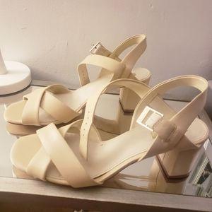 Shoes - Louise et Cie Sandals like new